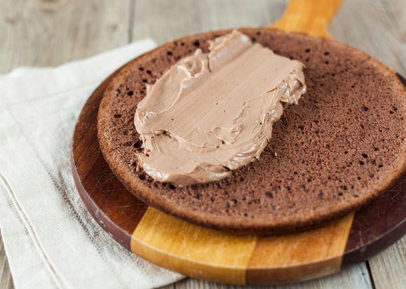 Las mejores cremas para rellenar tortas hazlo facil for Como decorar una torta facil y economica